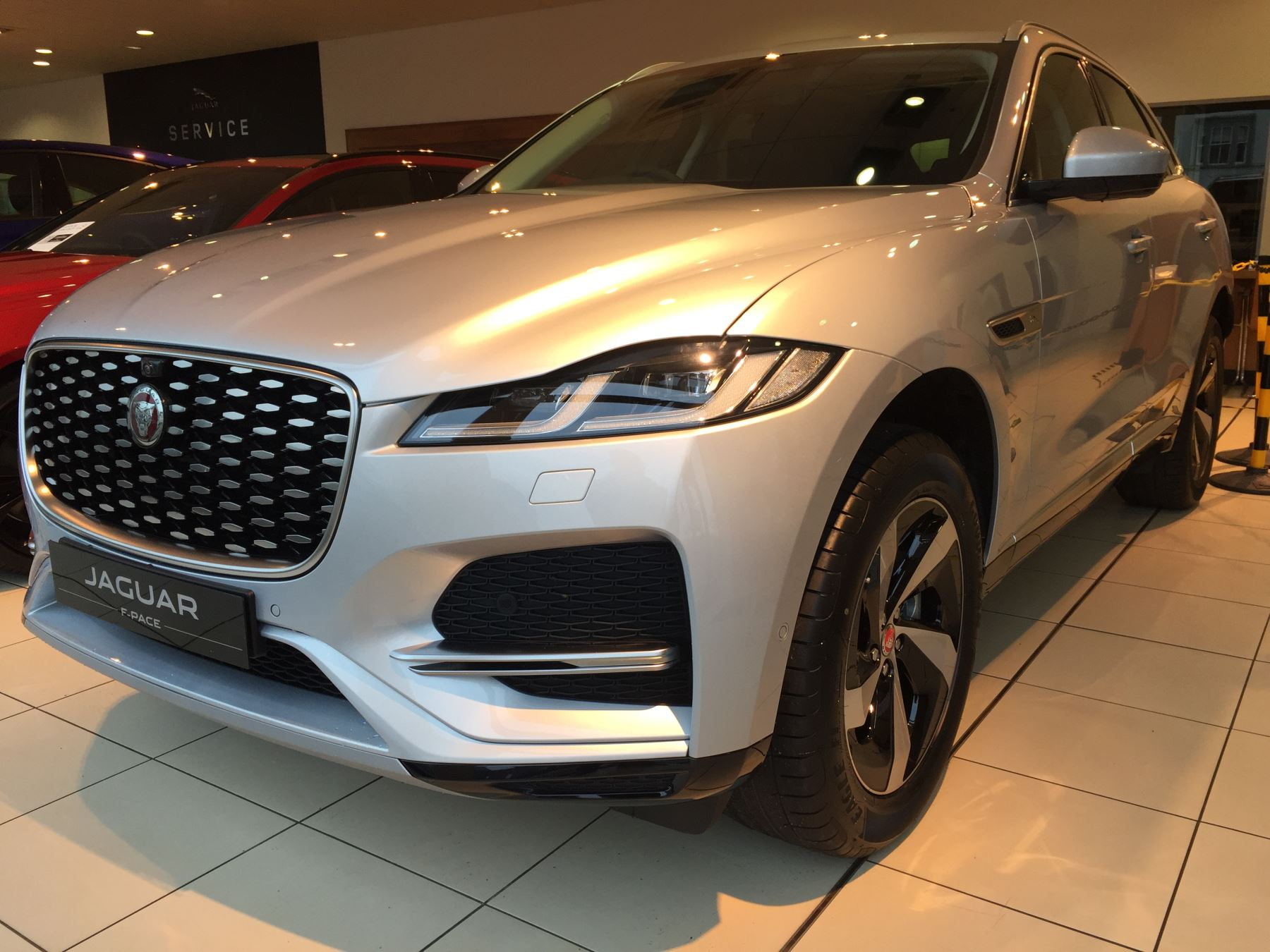 Jaguar F-PACE Stock cars available Immediately with all models available for early delivery.  image 2
